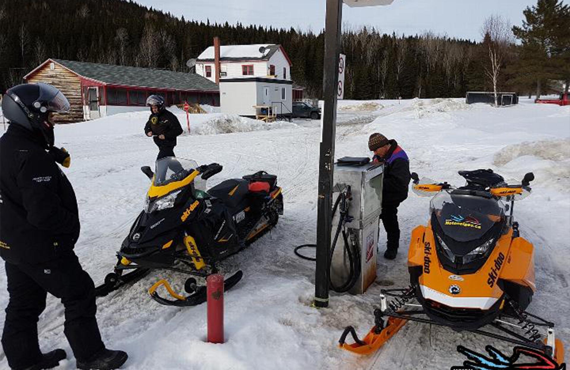 Gas available at Relais de la Cache